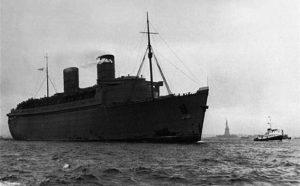 RMS Queen Elizabeth Arrives NYC - 7 Mar 1940