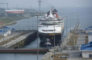 disney wonder in panama canal